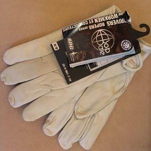 Beige leather gloves size medium
